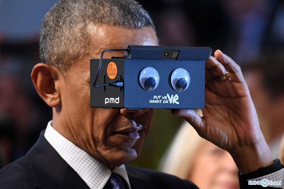 VR虚拟现实有多火?奥巴马默克尔也来玩
