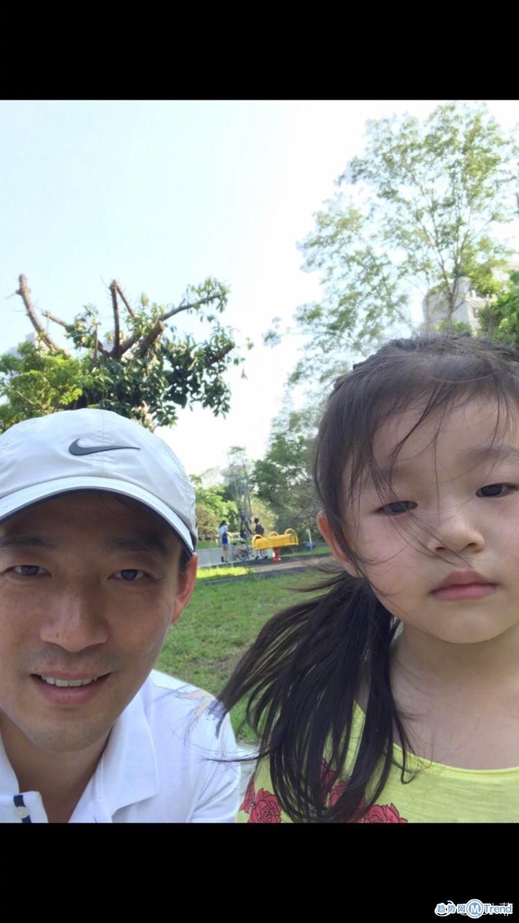 汪小菲成女儿奴 网友吐槽儿子是充话费送的