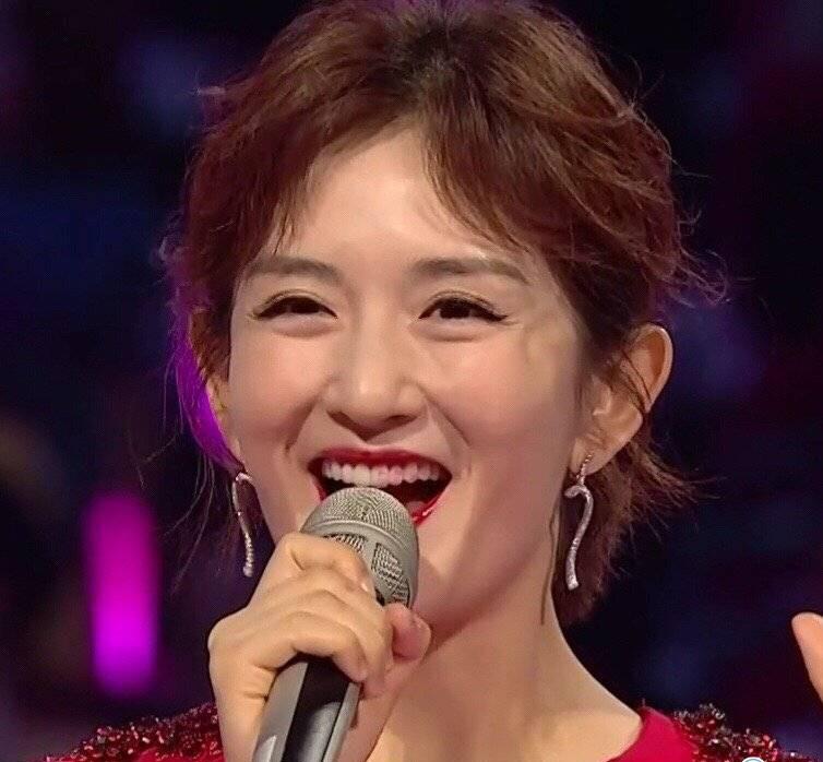 湖南卫视跨年夜槽点:谢娜回应跨年主持 收视率被强制跳台