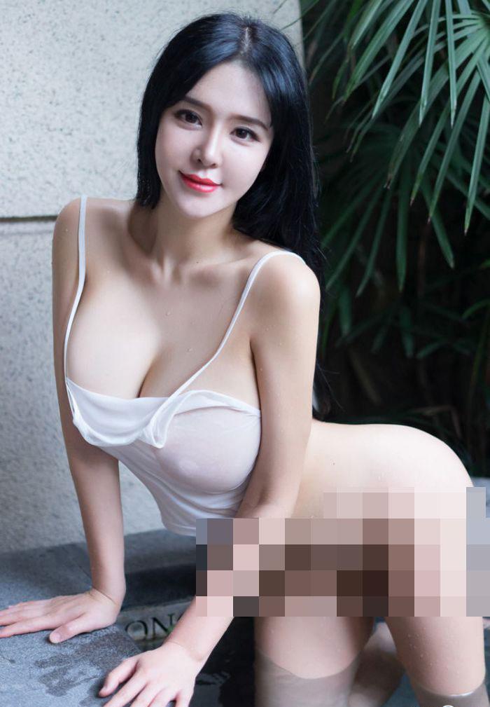 刘钰儿露胸无遮掩性感照片