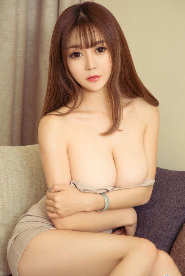 巨胸尤物周心情性感照片 PK Miki兔大尺度裸体写真