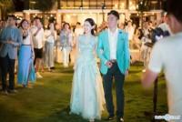 刘强东奶茶妹妹婚礼宴会曝光 求婚钻戒美酒鲜花礼服